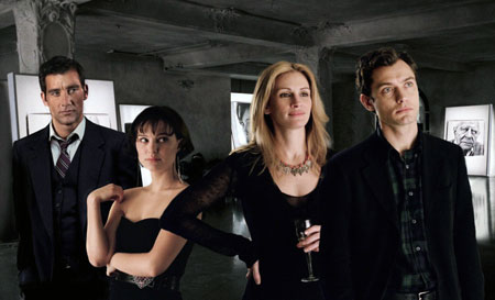 Clive Owen, Natalie Portman, Julia Roberts, and Jude Law in Closer