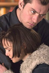 Jude Law as Dan and Natalie Portman as Alice